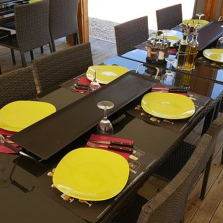 plancha-sur-table